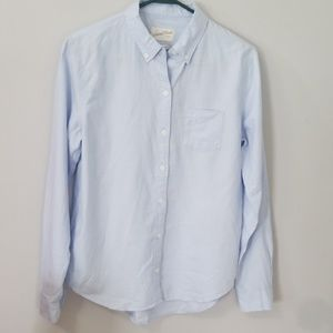 NWT Universal Thread Size Small Blue Button Up